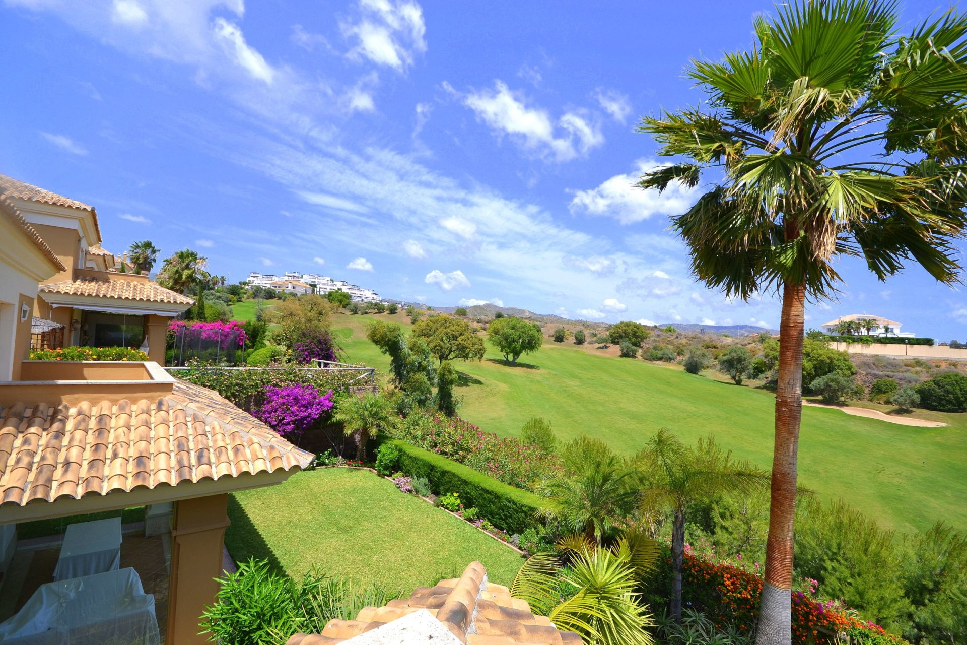 Best golf urbanizations in Marbella East