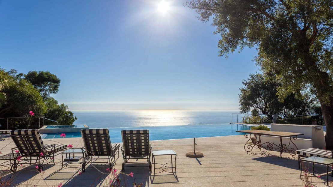 Buying Grand Estate with picturesque views in Elviria, Marbella