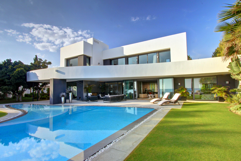 Beachfront Villa in Los Monteros, Marbella. Unique, Modern