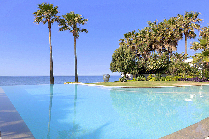 Modern Villa for sale in Los Monteros, Marbella east, Pool and Sea