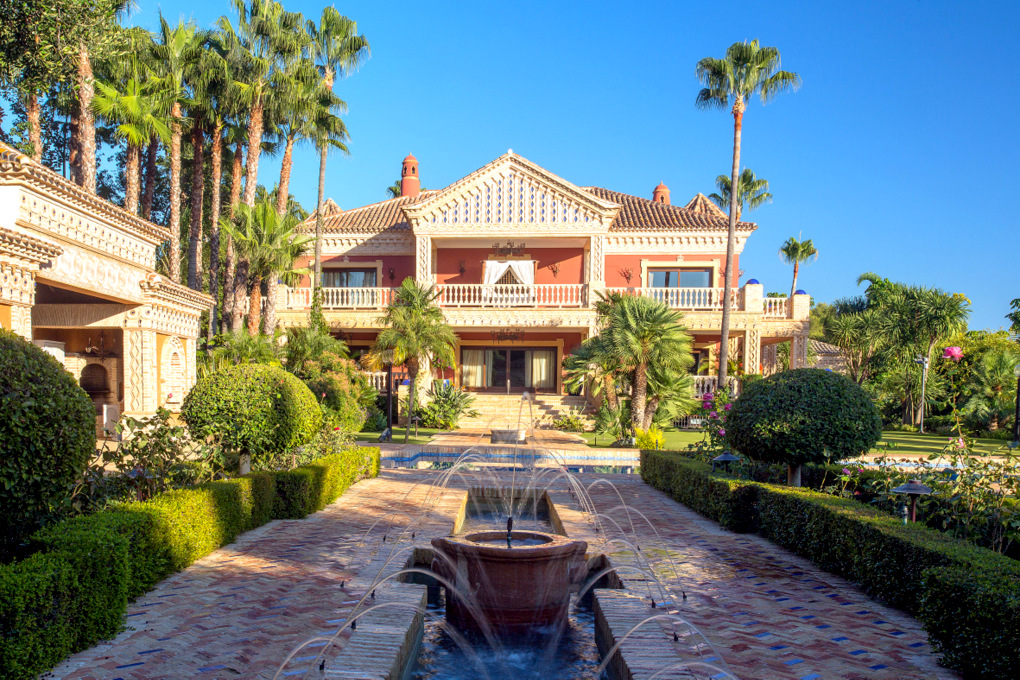 Los Picos de Nagüeles, Marbella, Magnificent Estate with Breathtaking Views