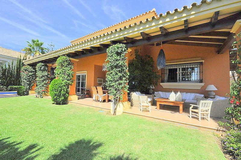 Exclusive villa in Elviria Playa, Marbella