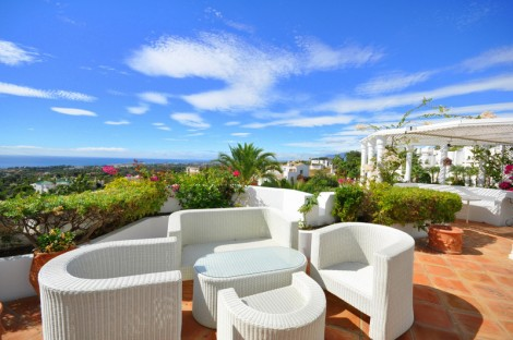 Marbella Hill Club, exclusive Villas, townhouses and apartments