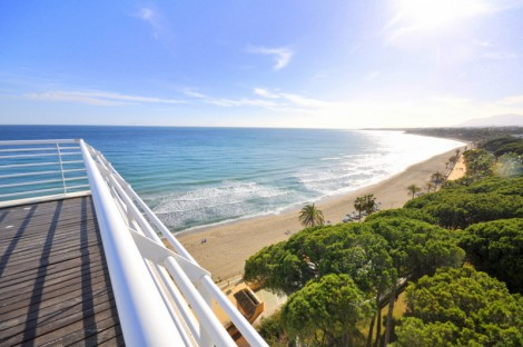 Beachfront duplex penthouse in Mare Nostrum Marbella
