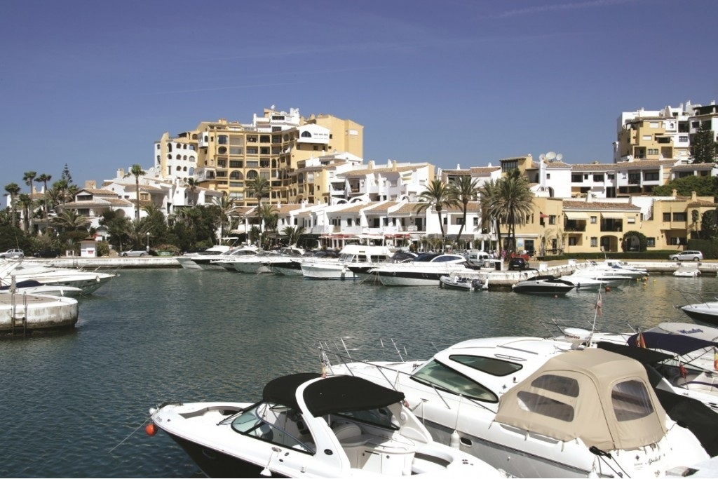 Puerto de Cabopino, one of the top addresses for holiday homes in Marbella