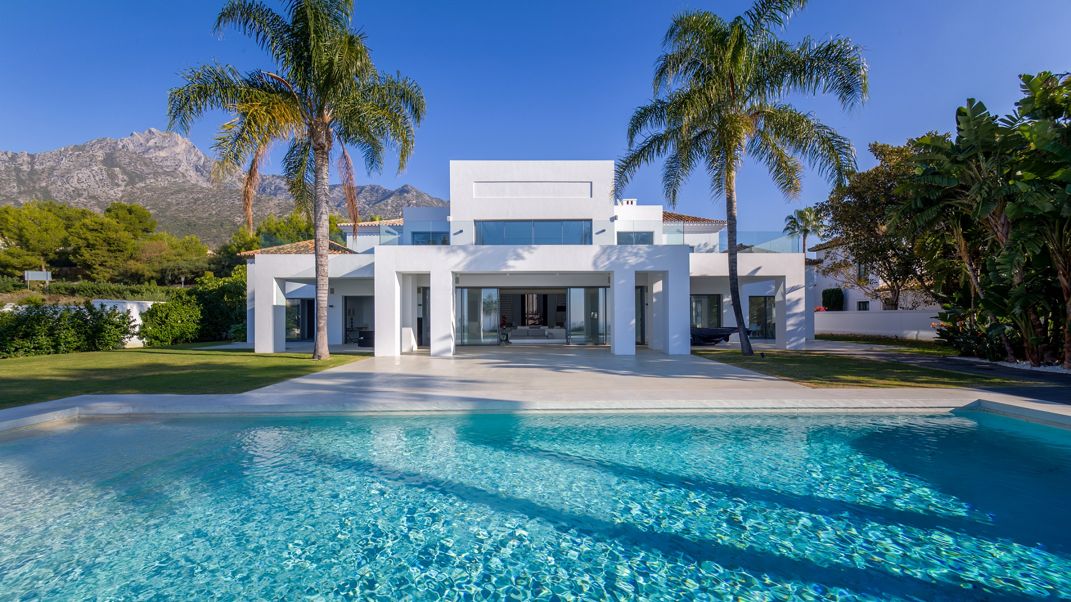 Impressive luxury villa with panoramic sea views in sierra - Luxury homes marbella ...