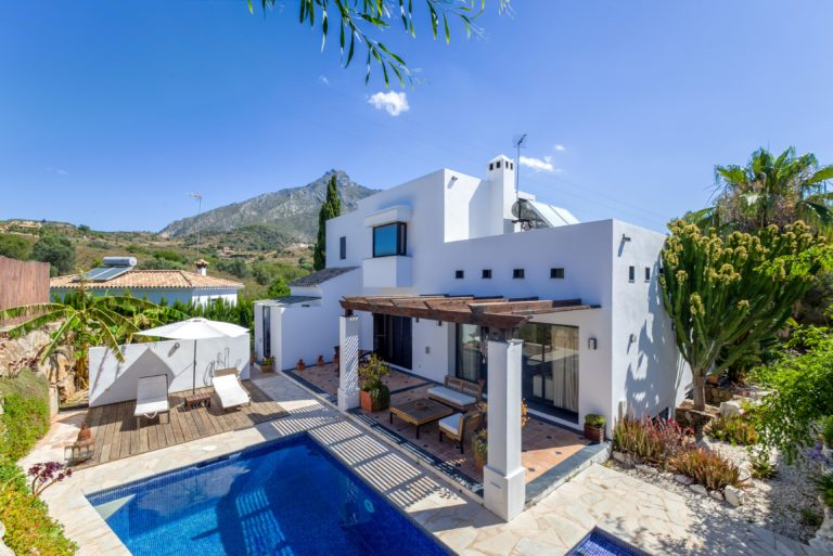Marbella hill club exclusive villas townhouses and - Luxury homes marbella ...