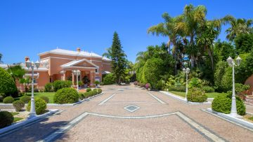 Magnificent living next to the beach in Marbella