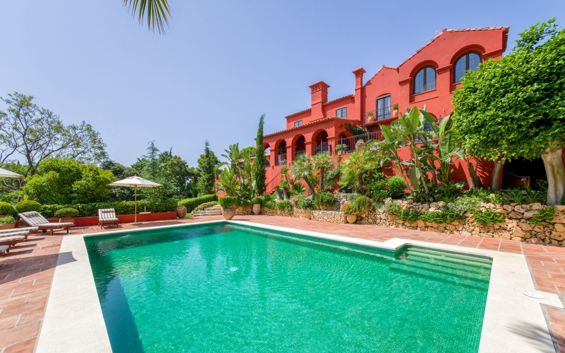 Sophisticated Andalusian style in El Madronal
