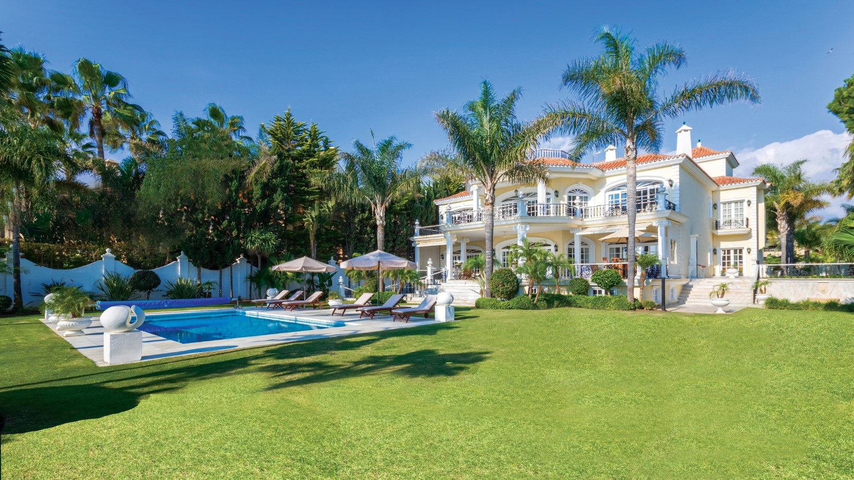 Grand frontline beach estate