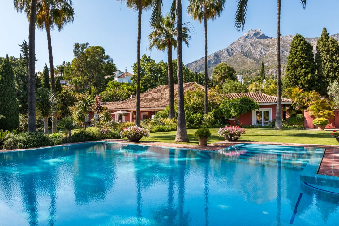 Marbella Hill Club, mountain and sea views at their best