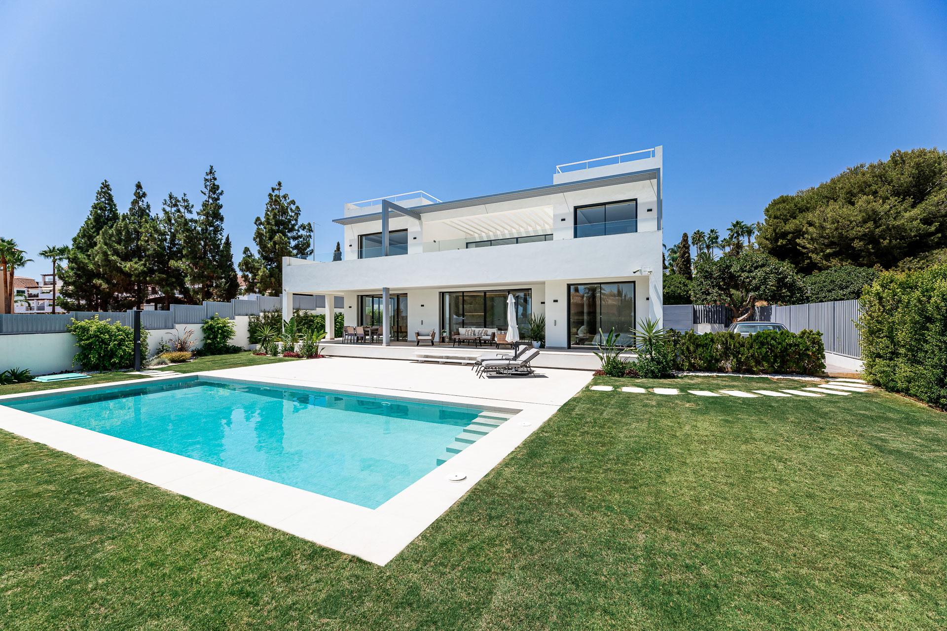 Property for sale in Las Lomas del Marbella Club