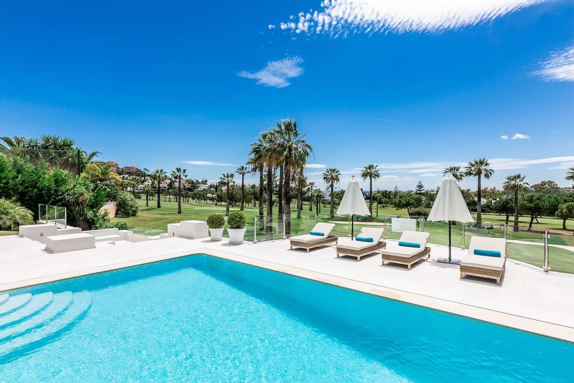 Frontline golf properties Marbella