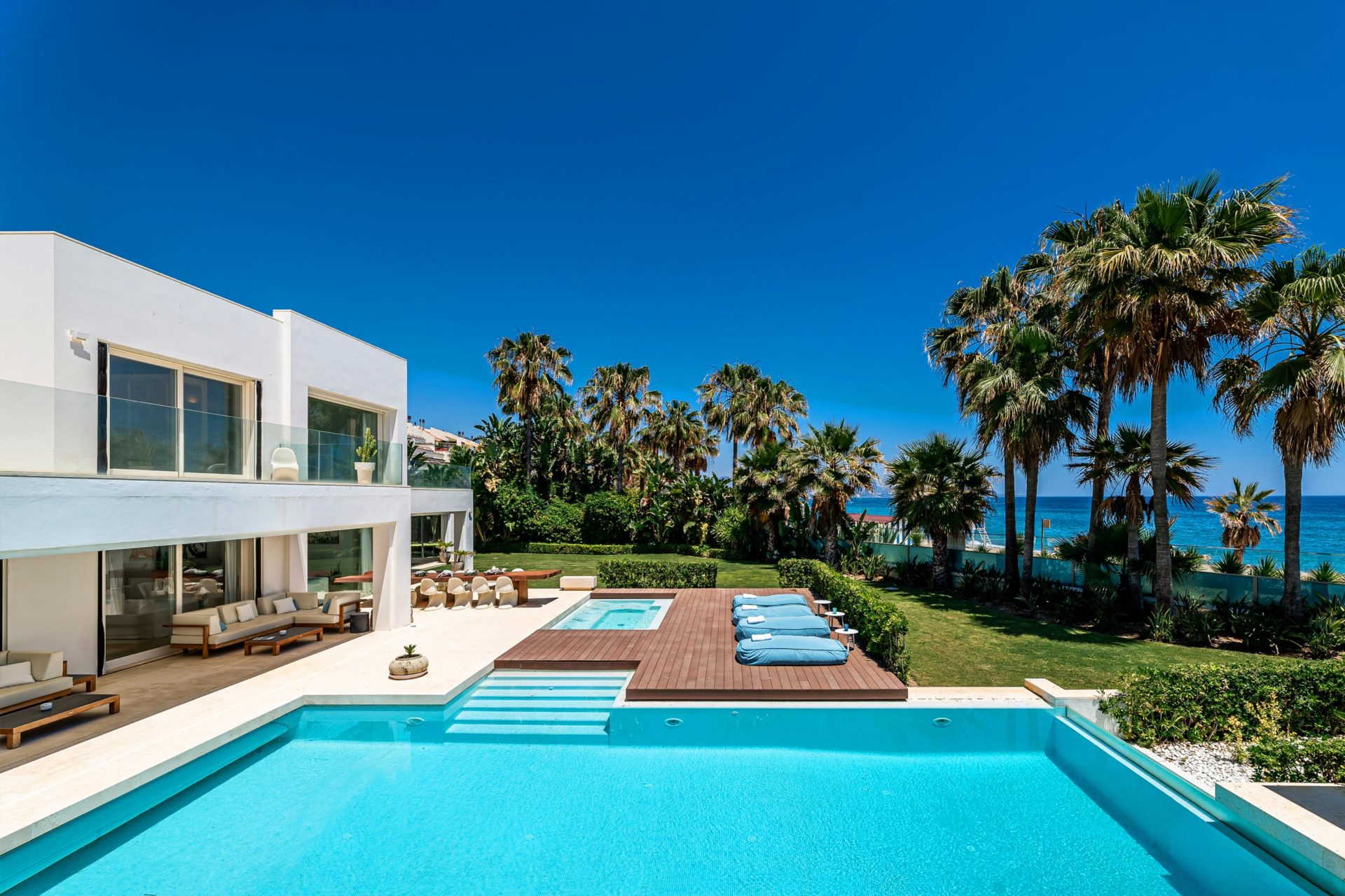 Beachside properties Marbella