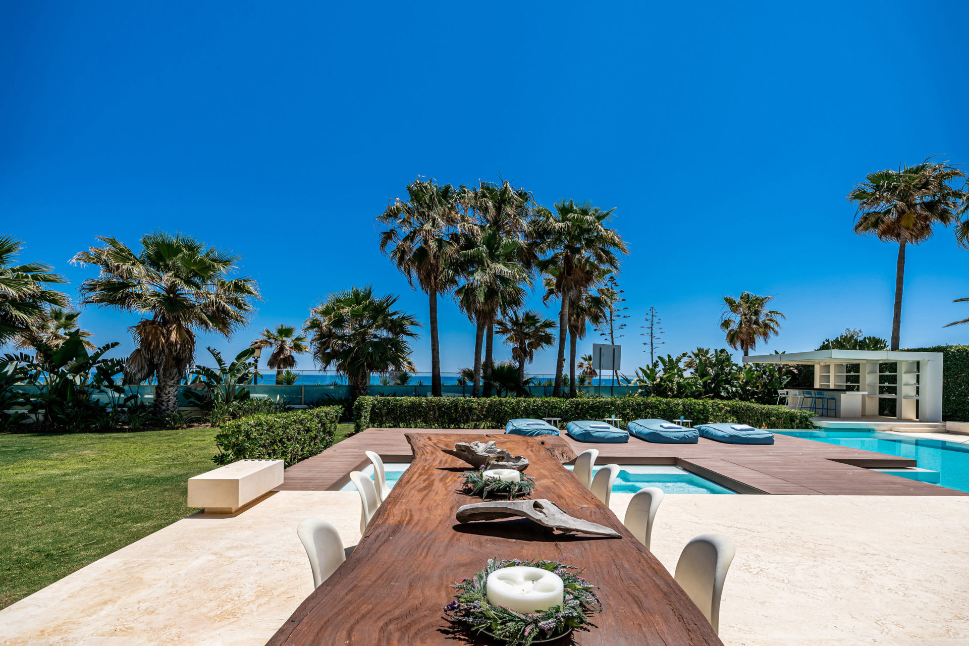 Beachfront properties Marbella