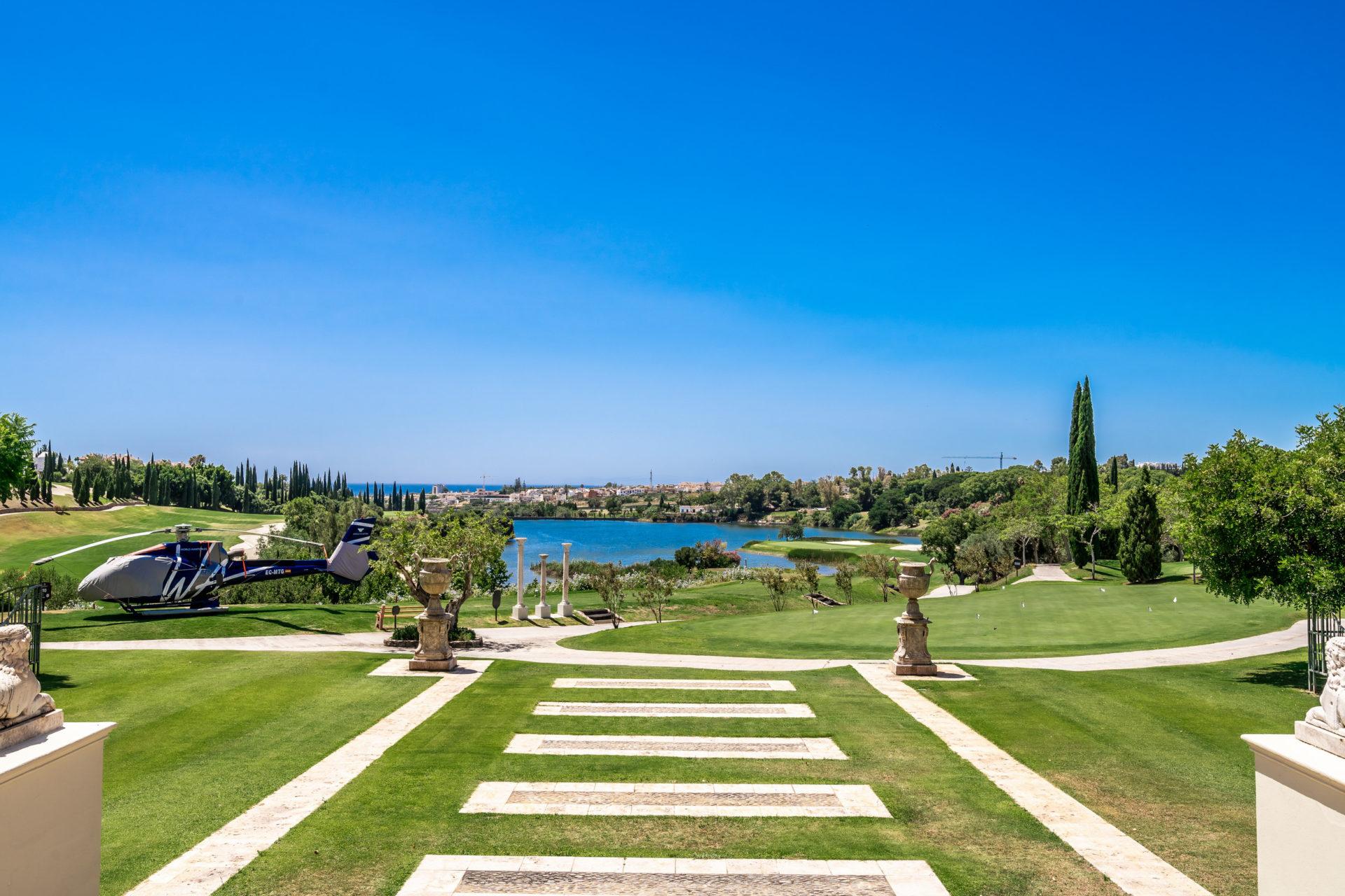 Los Flamingos golf resort